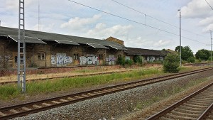 railway station graffiti_600